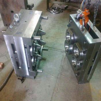 طراح و سازنده خط تولید انواع قالب های صنعتی در کشور